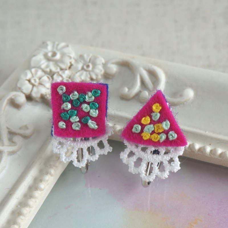 "Hand embroidery earring""Vivid square triangle"""