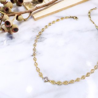 "Rounded ""classical hollow"" lace lace square zircon (18K gold) necklace (two wearing style) hand retro brass"