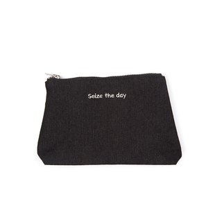 Seize the day embroidery makeup pencil case (black / washed blue)