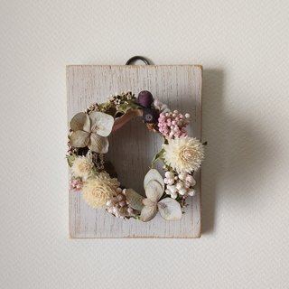 dry flower wreath wall decoration