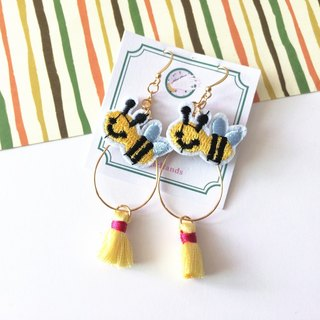 magiands embroidered little bees cute tassel earrings ear clip