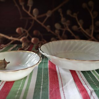Early Fire-King Bowl - Phnom Penh Whirlpool Snack Bowl (Tableware/Old Things/Milk Glass/Fire King)