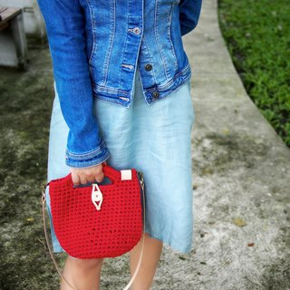 Handmade crochet bag red (t-shirt yarn) with natural color leather strap