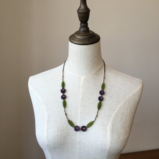 Purple hibiscus flower necklace purple hibiscus glass beads necklace