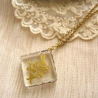 [Jolie baby] Alice elusive series - horn rimmed square necklace Rabbit Poker