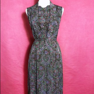 Specially designed textured totem sleeveless vintage dress / brought back to VINTAGE abroad