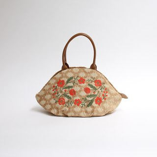 Leopard embroidery of alpine grass · almond bag