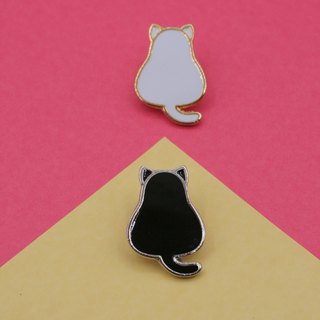 Fat Cat Lapel Pin (Black cat, White cat)