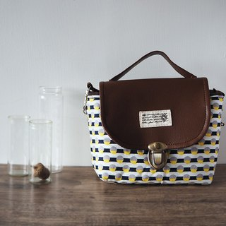 (small camera bag) Single small single eye camera thick cotton camera bag (white and blue stripes yellow gray dots) B05