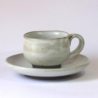 Coffee cup and saucer (Ivory)