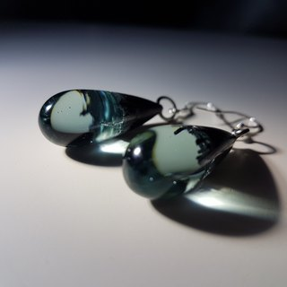 [handmade]custom pet petal gray pupil raindrop earrings