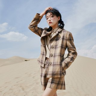 [Buy two get one free] Anne Chen 2018 spring new women's shirt plaid short jacket
