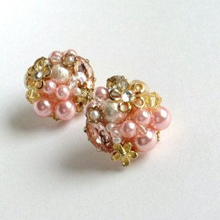 Pearl & flower elegant earrings · earrings pink