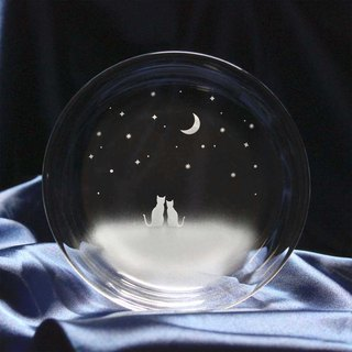 【Night sky of crescent moon seen together】 Glass small plate of cat motif