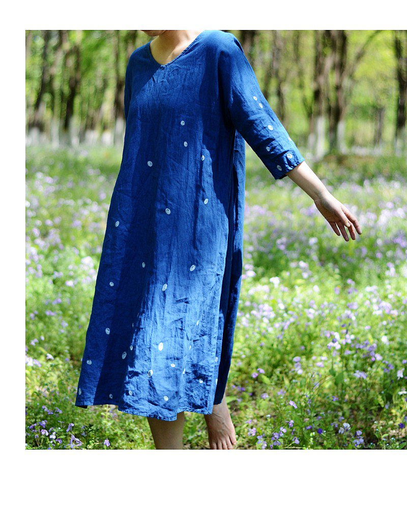 Pick up original women's clothing 2020 summer new linen ancient plant blue dyed batik V-neck dress indigo
