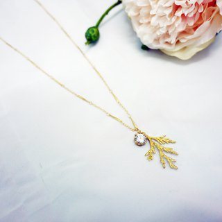 Needlework design long necklace