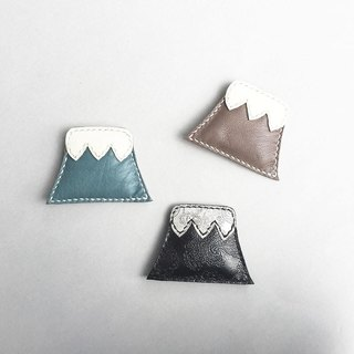 Fuji brooch tea