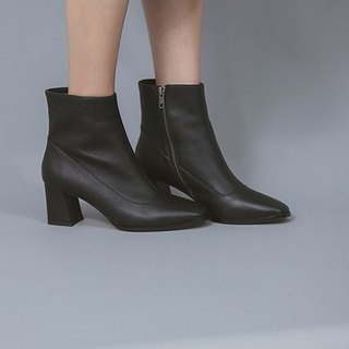 Rare minimalistic leather with leather boots black