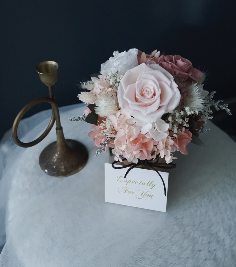 Valentine's Day honey pure copper gold vase eternal flower without flower rose hydrangea marriage proposal birthday opening ceremony table flower