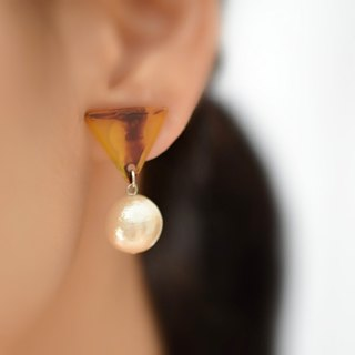 tortoiseshell and cotton pearl clip earrings