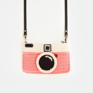 Crochet The Vintage Camera Purse/ Pink Color