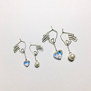 <For both ears> Hanging heart (clear) Cotton pearl