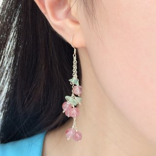 Original design strawberry crystal earrings (can be changed ear clip) 925 silver summer special [ripe lychee]
