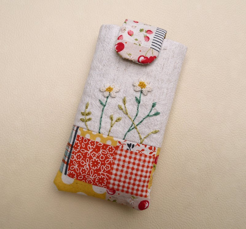 Small white embroidery mobile phone bag (M) for 5 inch mobile phone