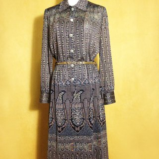 When vintage [antique dress / classic antique totem long-sleeved dress] abroad back to vintage long dress VINTAGE