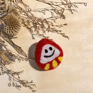 Wool felt - smile tumbler brooch