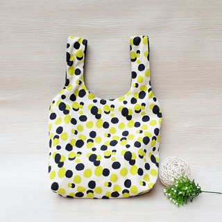 [Green shopping bag] black and yellow