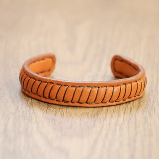 Brass core simple hand leather bracelet