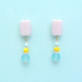 Transparent rectangular pink glass / bright yellow small pumpkin / frosted ice blue beads earrings