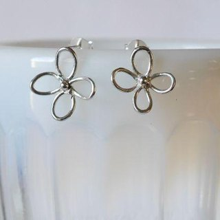 ★ resale ★ Flower Pierce (silver)
