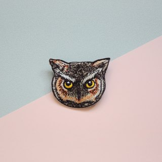 Animal embroidery pin / brooch - owl