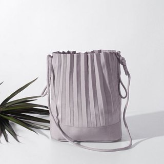 aPaddy Bucket Bag in Light Grey