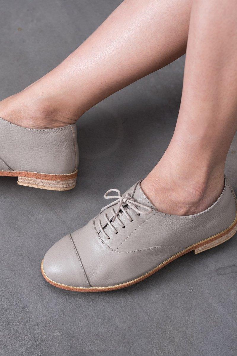 綁帶休閒鞋 | 柔軟真皮鞋 | 真皮鞋墊