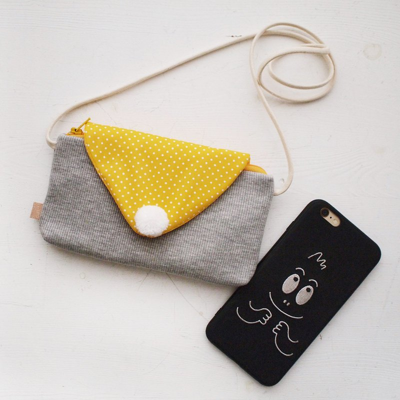 Triangle envelope zipper chest back phone bag - yellow dot (mobile / mobile power)