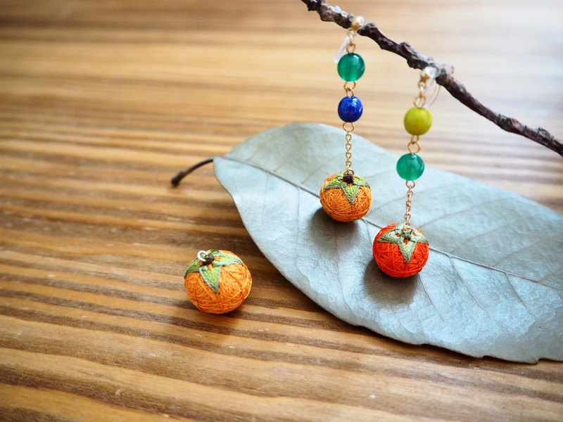 tachibanaya earrings Japanese TEMARI de 柿 アシンメトリー 秋 フルーツ