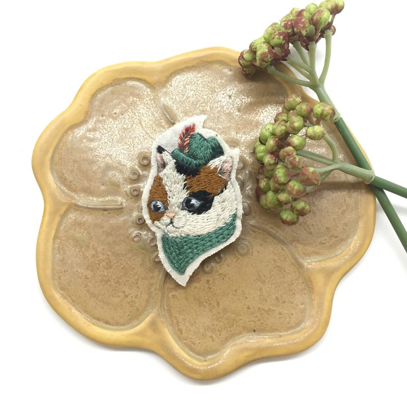 Tearoom I Philip the Cat embroidery brooch