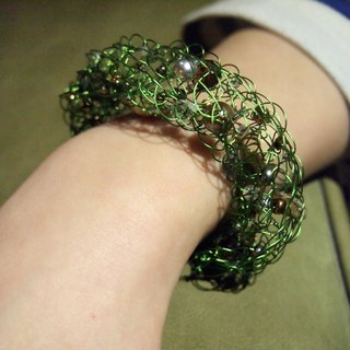 B113 romantic hand-woven copper wire with green grass brown glass pearl silver artificial hand and chain
