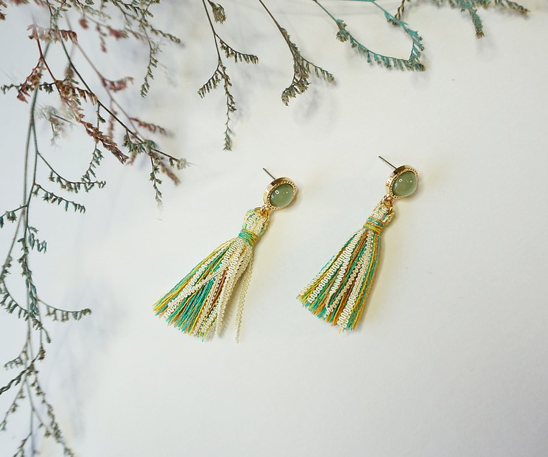 Colorful Lace Tassel Earrings - Green