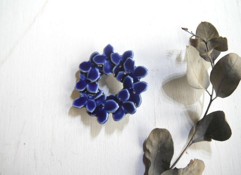 Flower broach periwinkle blue
