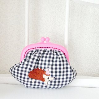 Embroidery winged Gingham check Hedgehog pink hat