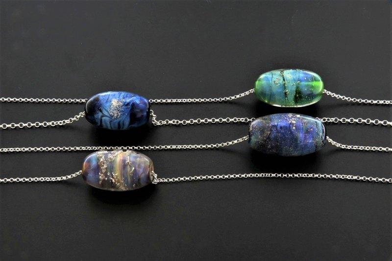 骨灰琉璃珠-橢圓型-單顆價格(含項鍊)*訂製骨灰琉璃珠