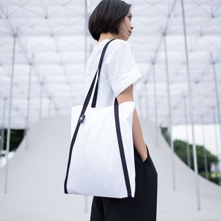 Rin ACE TOTE - Black and White Color Apron Think A Word Tote Bag