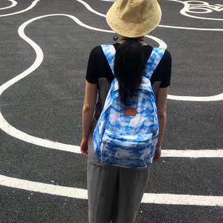 Blue-white white fish practical backpack watercolor effect travel folding four seasons universal ultra-light shoulders