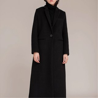 Black dark suit long coat wool cashmere jacket neutral couple models go to the beach together