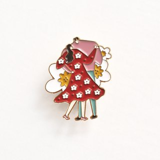 A. Strawberry draws my park brooch - dancing blooms