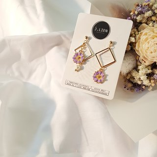 Flora's flowerbed - purple cosmos ear pin / ear clip handmade earrings Korea direct